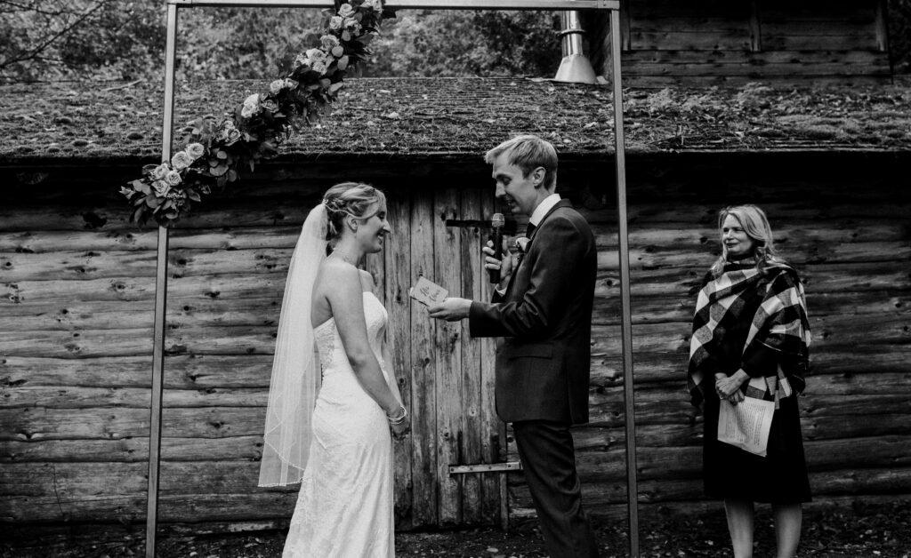 wedding, wedding vendors, florist, photographer, caterer, videographer, wedding venue, wedding hair and makeup